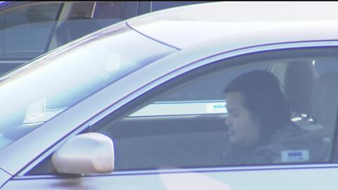 Departamentos de vehículos de California aumentará tarifas y algunas multas