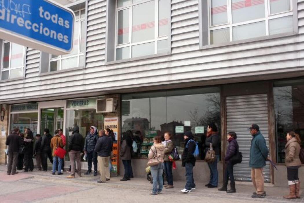 España volvió a caer en recesión en el primer trimestre de 2012, acumula...