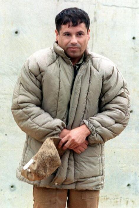 El funcionario aseguró que El Chapo controla el trasiego de drogas y que...
