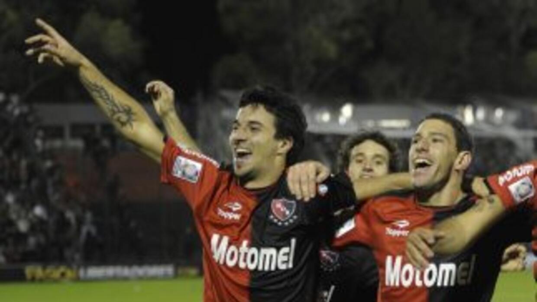 Newell's Old Boys goleó por 5-0 al descendido Unión y se afirmó al tope...