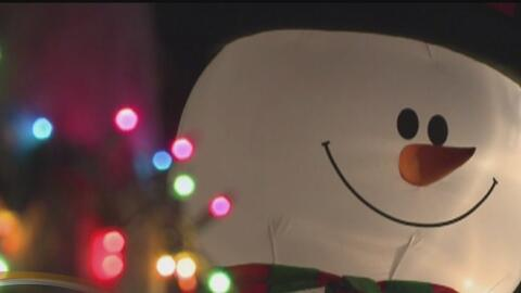 Ahorre energía y dinero al usar sus luces navideñas