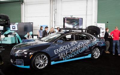 """Los alumnos del """"nanodiploma"""" en ingeniería de autos au..."""