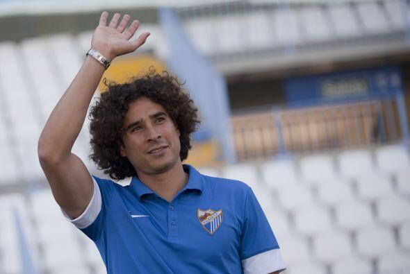 Javier Gracia, el técnico, ha mostrado su preferencia por el camerunés y...