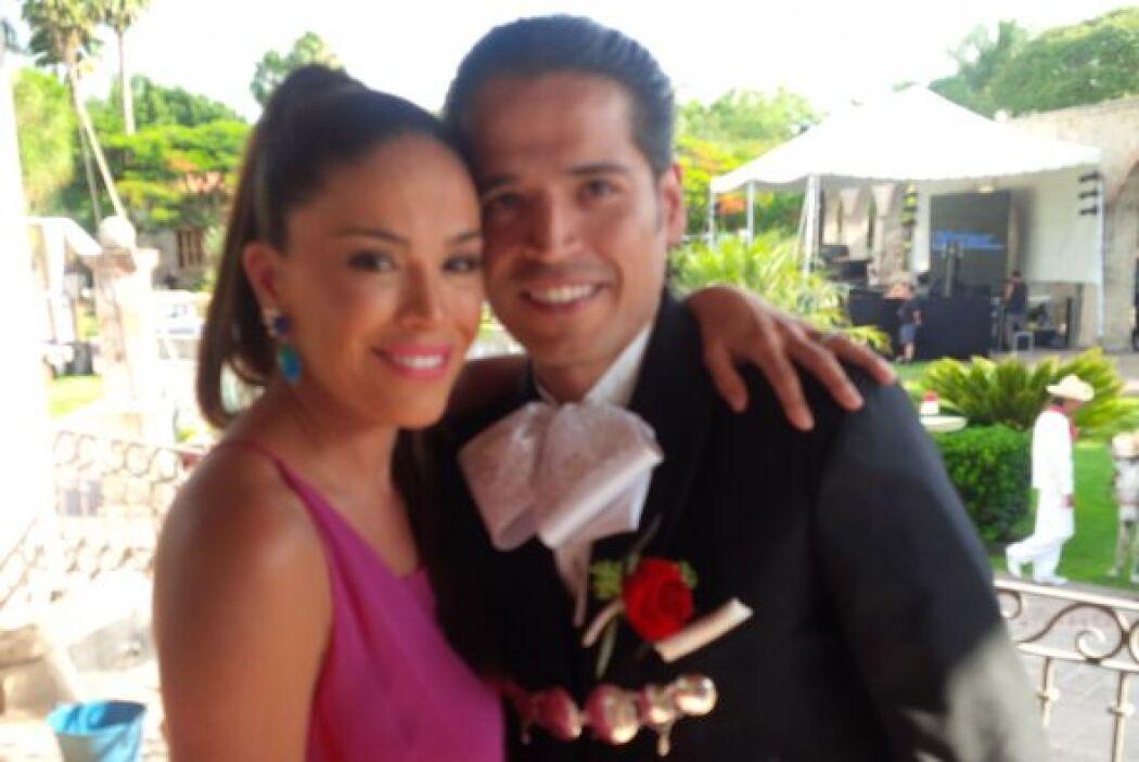 Linda foto del recuerdo de Karla con su hermano Luis el día que este se...