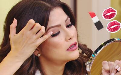 Ana Patricia y Andrea cumplieron con el reto de maquillarse con los dedos