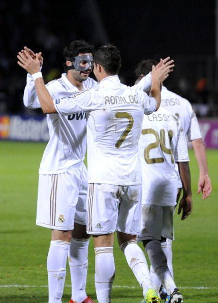 El Real Madrid por fín ganaba en Lyon, muchas veces llamado 'su bestia n...