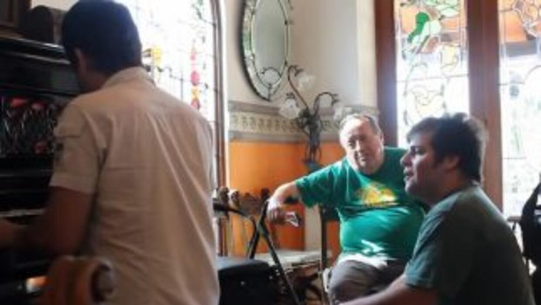 Fábio Rebeiro, fanático brasileño de Roberto Gómez Bolaños, compartió em...