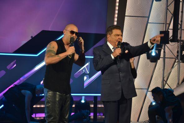De esta manera se despidió del público el extraordinario cantante.