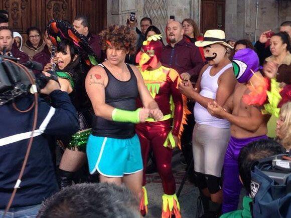 """""""¿Cómo vieron en Los Ángeles a Simon Ricardo en @DespiertaAmeric?"""", preg..."""