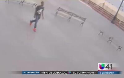 Buscan a ladrón de celulares en Brooklyn
