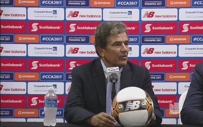 Jorge Luis Pinto no quiso hablar de su discusión con el 'Bolillo' Gómez