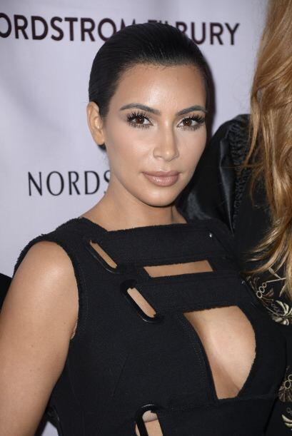 En cambio Kim, impecable. Ni un pelo fuera de lugar.