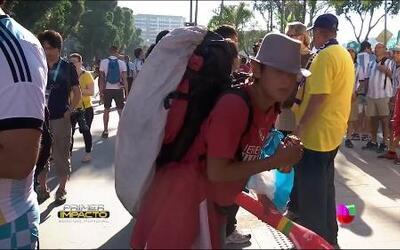 Los 'mochileros' de todo el mundo que invadieron Brasil