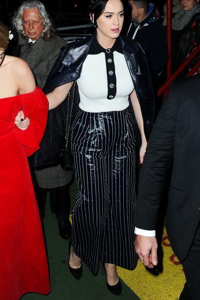 La guapa Katty Perry no brilló nada con este outfit. Esperamos que la pr...