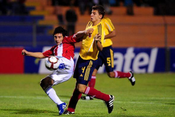 En el otro partido de la Jornada Colombia se hizo del último boleto.