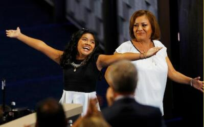 Karla Ortiz y su madre Francisca Ortiz.