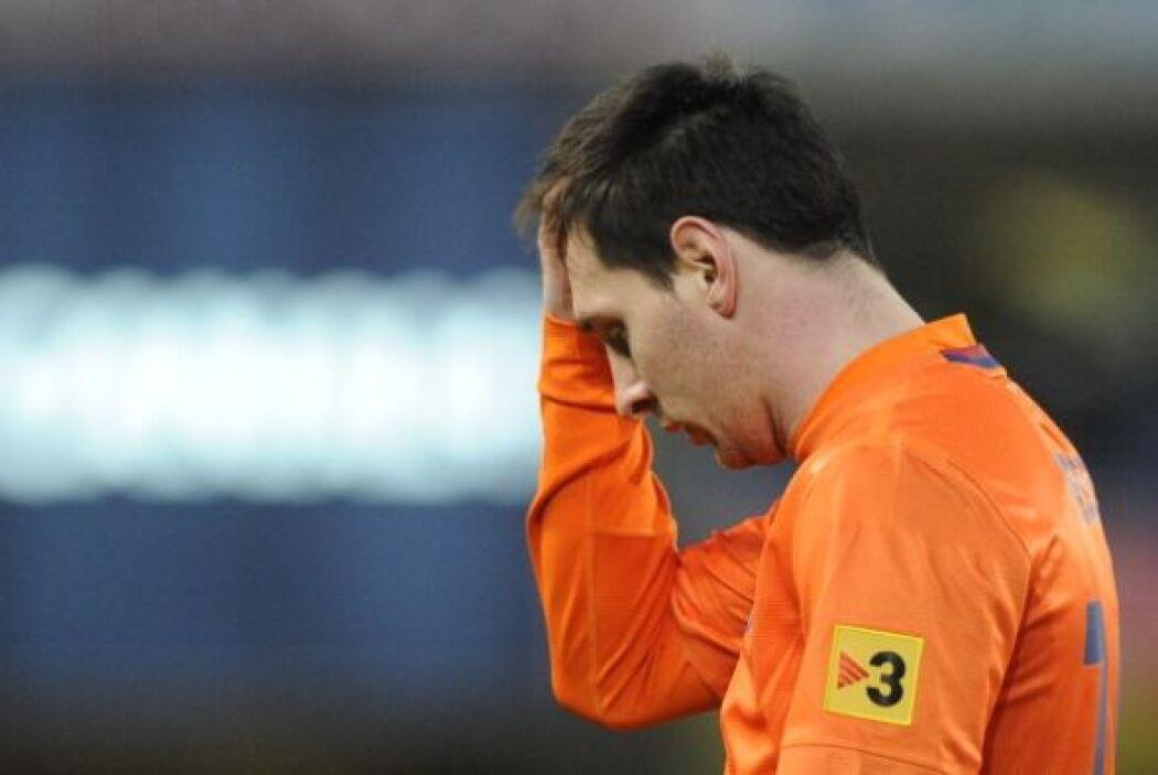 Messi también se apuntaba en los tiros al poste y al Barcelona se la iba...