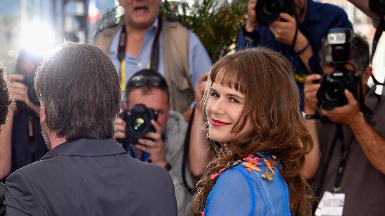 La actriz usó un vestido transparente en Cannes.