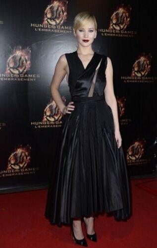 Otro modelito que utilizó Jennifer Lawrence para una de las tantas 'prem...
