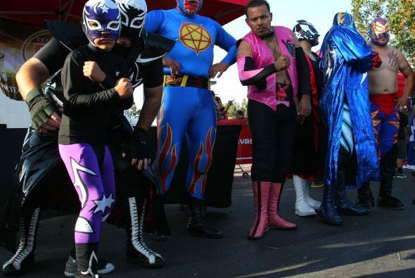 Luchadores en el partido Real Salt Lake contra Chivas USA.