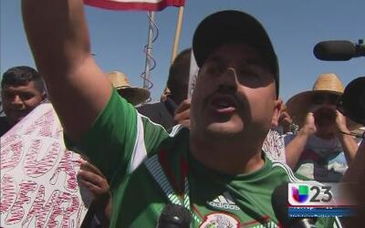 Lupillo Rivera está del lado de los que cruzan la frontera