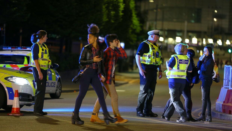 Autoridades británicas tratan como acto de terrorismo la explosión de un...
