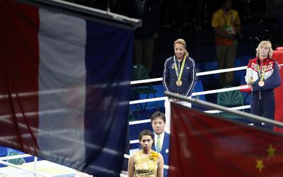 Estelle Mossely de Francia conquistó la medalla de oro en el boxe...