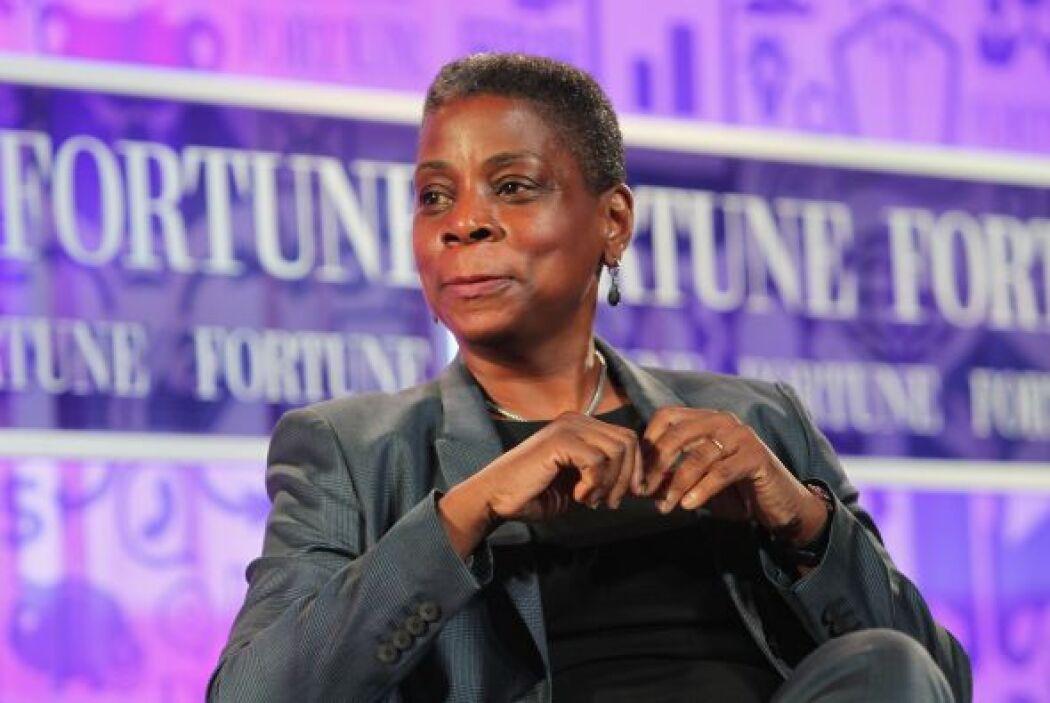 22.- URSULA BURNS:  A sus 55 años, la CEO de Xerox ha logrado mantener v...
