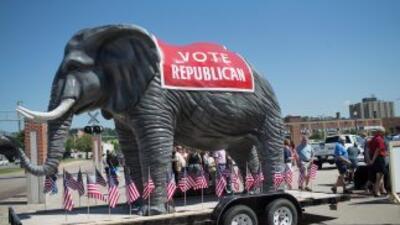 El elefante, símbolo del Partido Republicano, en un acto de campaña de S...