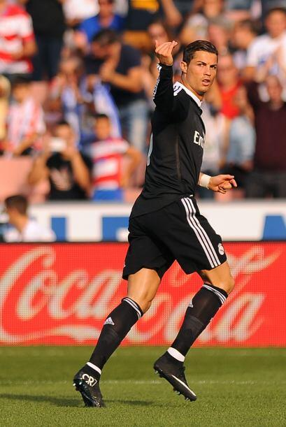 Real Madrid goleó al Granada y se adueñó del liderato en el torneo ibéri...