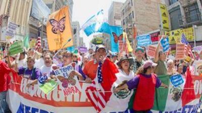 De aprobar el Congreso una ley de reforma migratoria, 11 millones de ind...