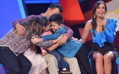 Toda la familia de Joel llegó para darle una gran sorpresa