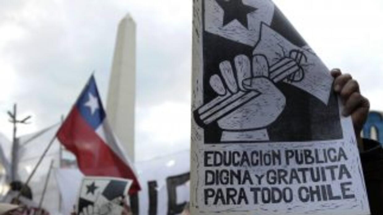 La revuelta estudiantil ha originado multitudinarias protestas contra el...