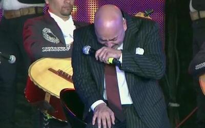 Lupillo no pudo contener las lágrimas en su serenata a Jenni Rivera