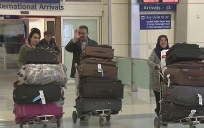 Persisten las detenciones de inmigrantes musulmanes en el aeropuerto Dal...