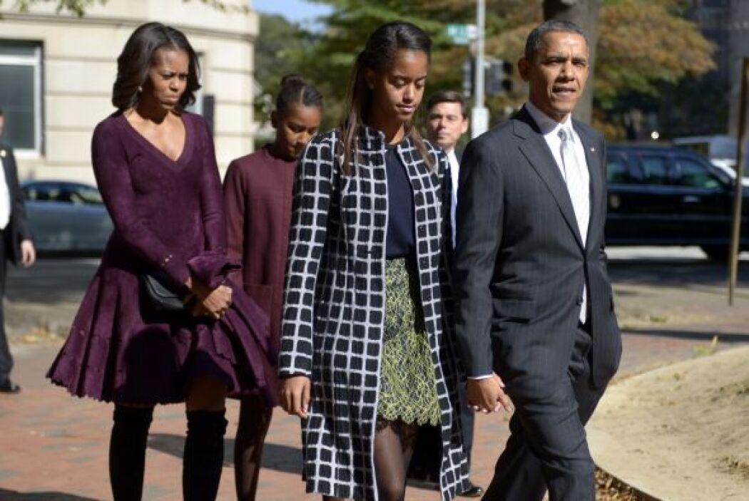 La primera dama complementó su 'outfit' con unas botas de gamusa a la ro...