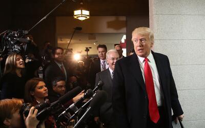 Trump comparece ante la prensa