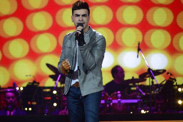Víctor Robles se ganó los aplausos con su primer dueto.