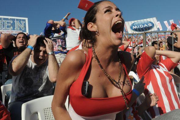 Se consumó la derrota de Paraguay y todos nos pusimos tristes. &i...
