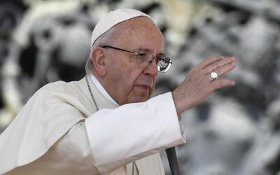 Papa Francisco lavó los pies de 12 reclusos en una cárcel próxima a Roma