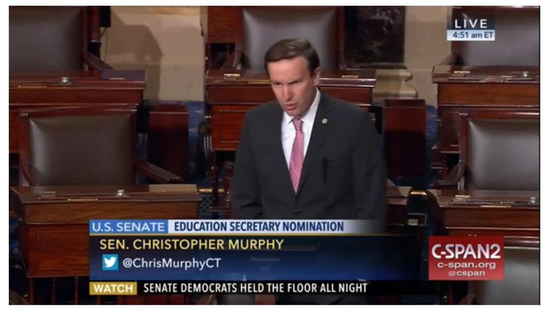 El senador Christopher Murphy fue uno de los más críticos contra la posi...