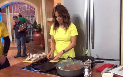 En comerciales: Karla regresó de sus vacaciones extrañando las torillas,...