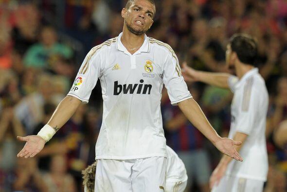 El portugués Pepe es un denfesor aguerrido, le gusta jugar al límite y s...