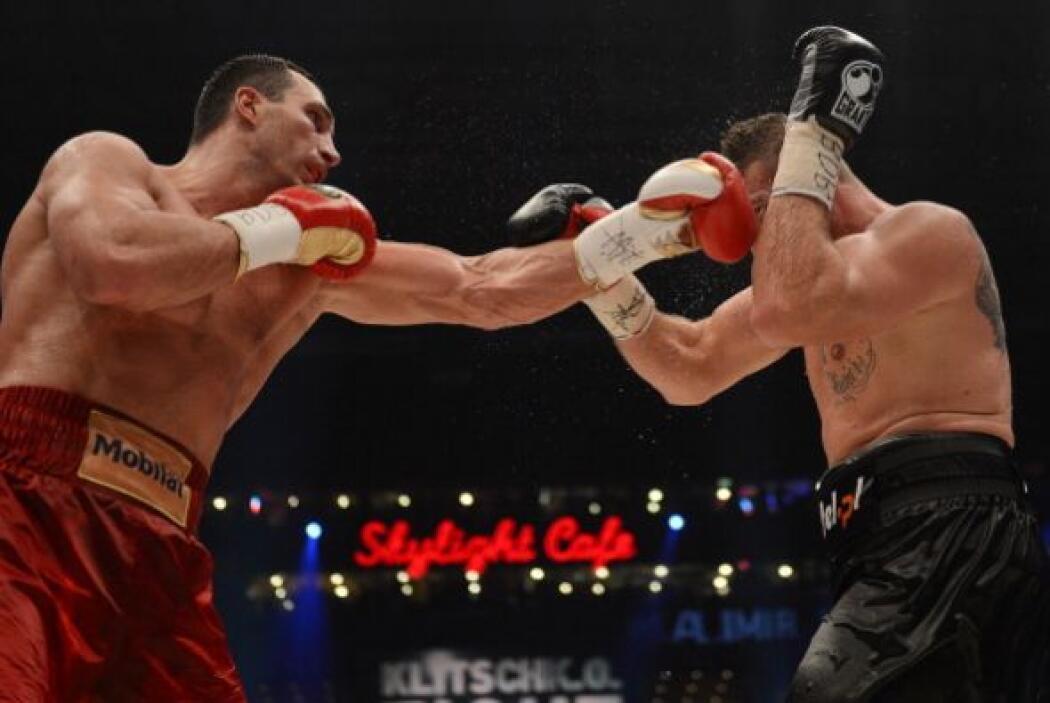 Así se completaron los 12 asaltos sin que Wladimir Klitschko pudiese noq...