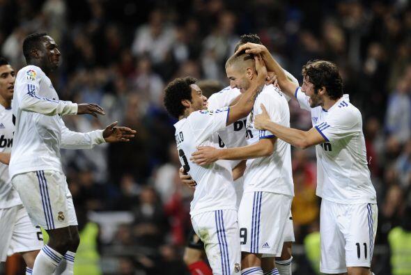 Por fin Benzema logró el tanto que había buscado con insis...