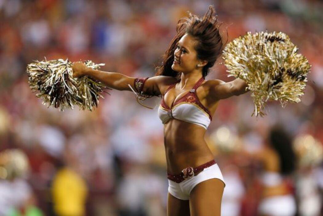 Las más bellas imágenes de las cheerleaders de la NFL en el 2012, un gra...