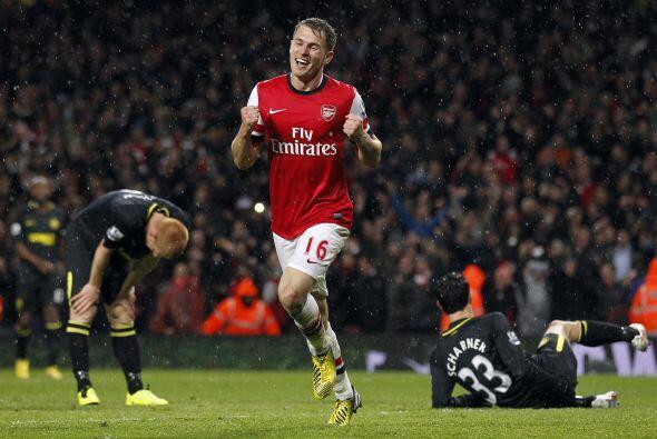 El 14 de Mayo de 2013, Ramsey le anotó gol al Wigan por la Premie...