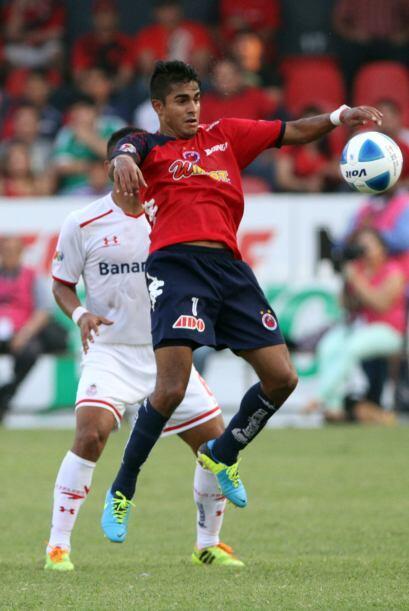 Jugó los 90 minutos, no recibió ninguna tarjeta, anotó el gol del gane a...