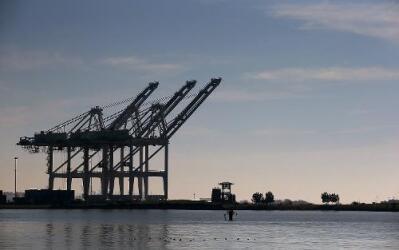 Oakland es uno de los principales puertos del oeste del país.