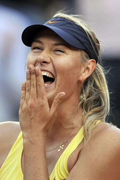 tras ganar el duelo, Sharapova no cabía de la felicidad.